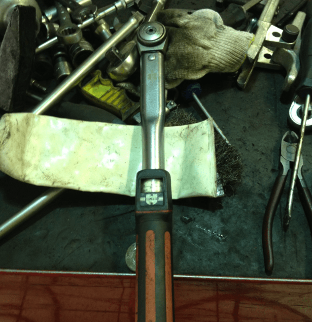 torque wrench with scale
